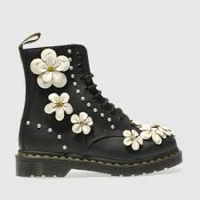 docs flower boot